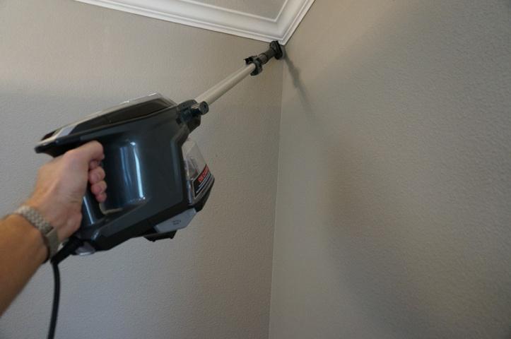 Shark-DuoClean-Ultralight-Vacuum-HV382-clean-walls