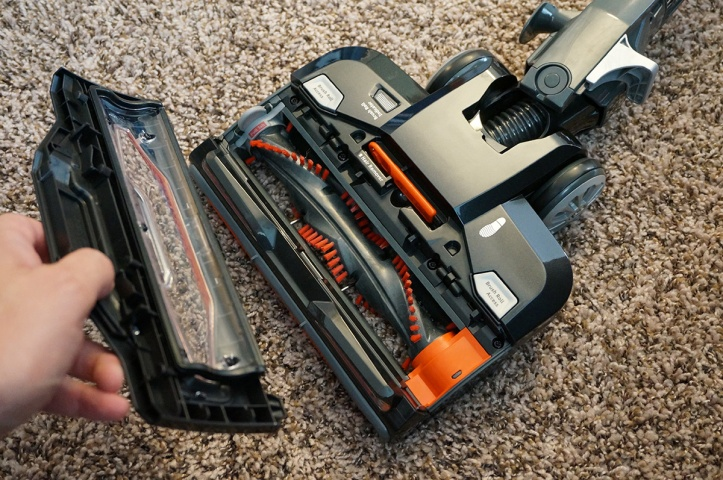 Shark-DuoClean-Ultralight-Vacuum-HV382-roller-access
