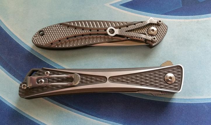 Crossbones-knife-7530-Eros-Ken-Onion-Jeff-Park-side-by-side
