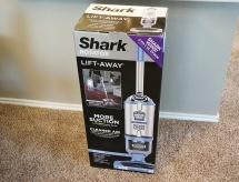 SharkNinja-Vacuum-Shark-Rotator-NV642-Box
